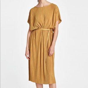 Zara▪️Pleated Tunic Dress Size:M